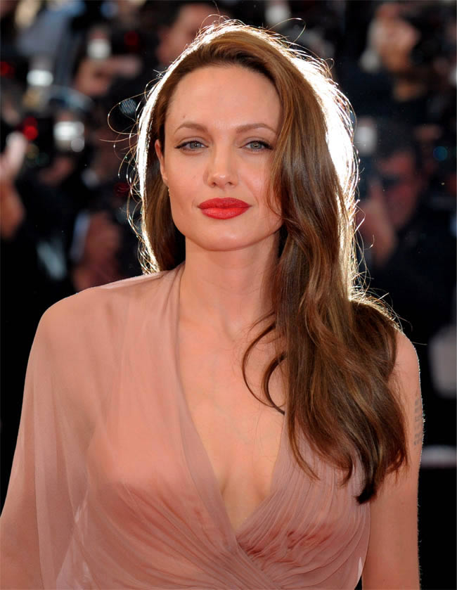 Angelina-Jolie-Red-Lips
