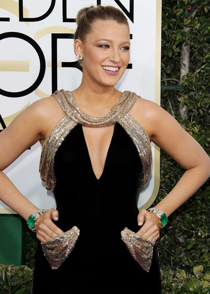 blake-lively-golden-globe-awards-in-beverly-hills-01-08-2017-10