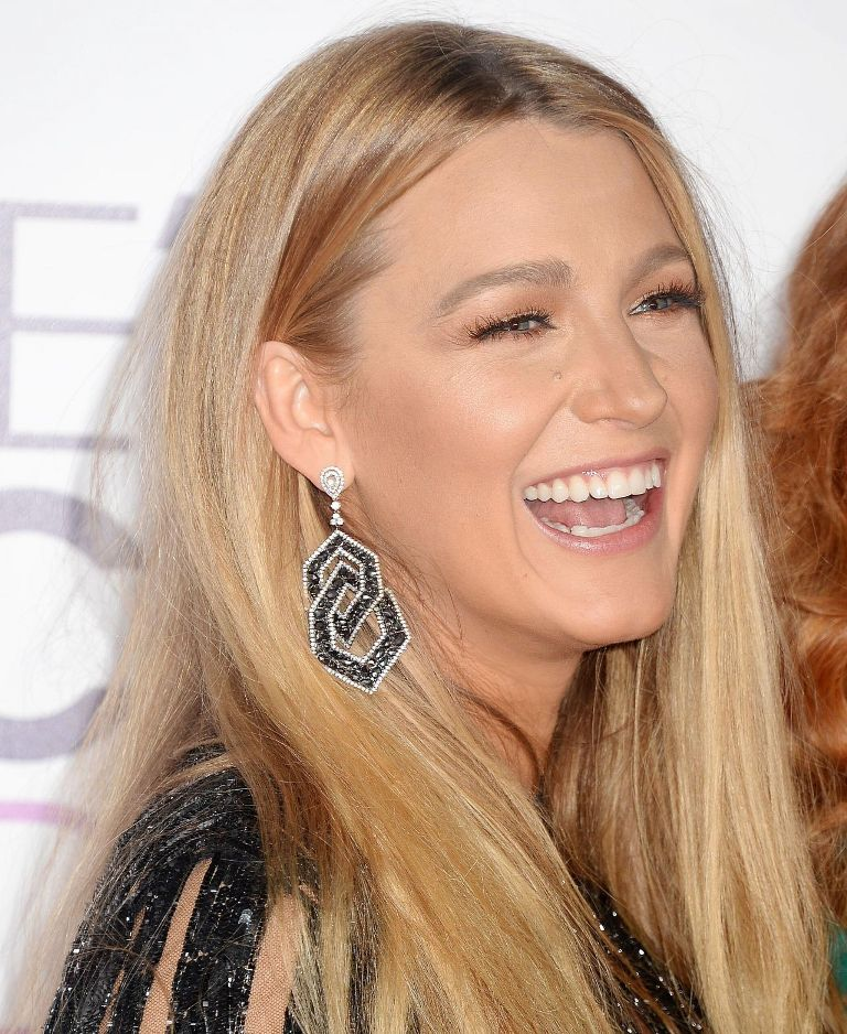 blake-lively-people-s-choice-awards-in-los-angeles-1-18-2017-8
