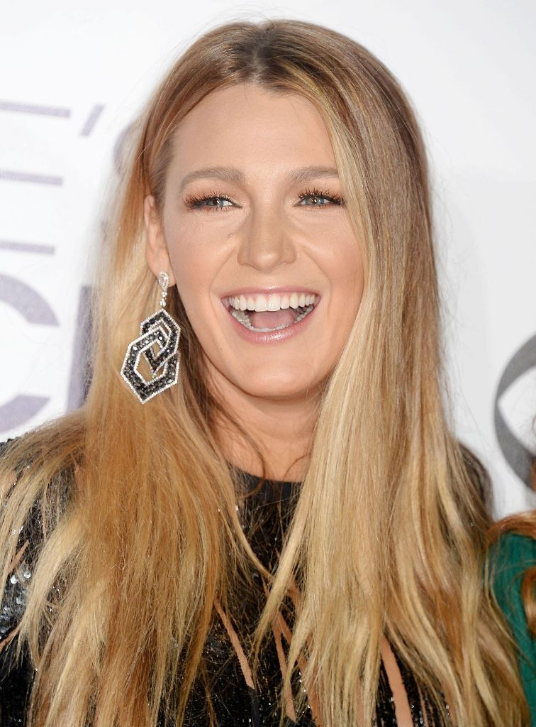 blake-lively-people-s-choice-awards-in-los-angeles-1-18-2017-9