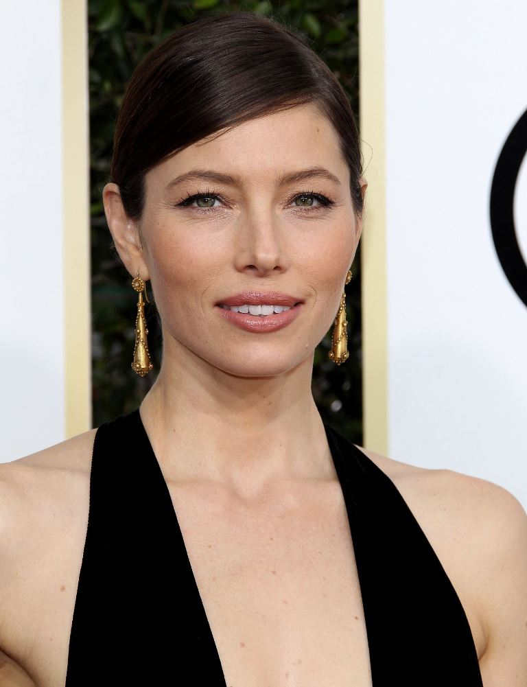 jessica-biel-golden-globe-awards-in-beverly-hills-01-08-2017-15
