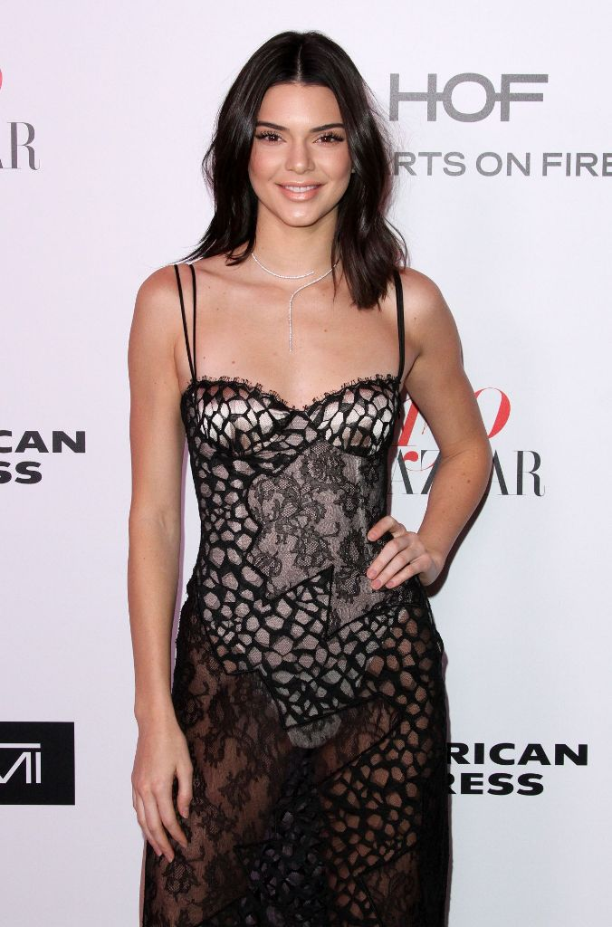 kendall-jenner-harper-s-bazaar-150-most-fashionable-woman-cocktail-party-in-la-1-27-2017-1