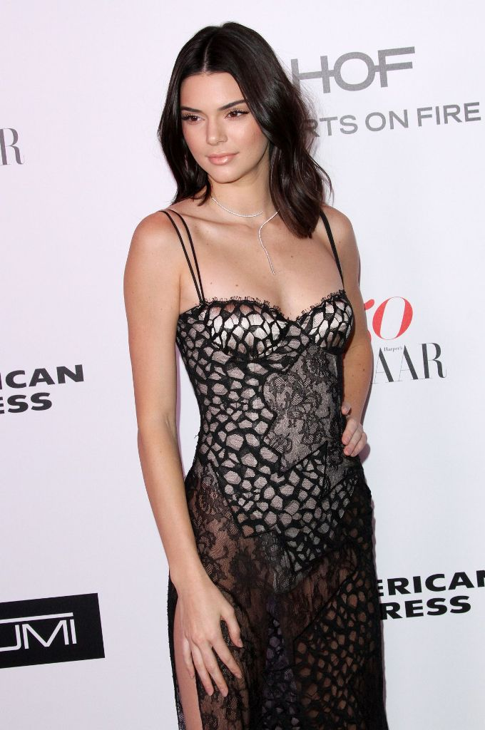 kendall-jenner-harper-s-bazaar-150-most-fashionable-woman-cocktail-party-in-la-1-27-2017-10