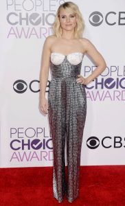 American actress Kristen Bell was also at the 2017 People's Choice Awards at the Microsoft Theater on Wednesday night (January 18) in Los Angeles. She was accompanied by her husband Dax Shepard. The 36-year-old was dressed in Rasario shimmering jumpsuit, while completing the look with Eva Fehren earrings and a Charlotte Olympia clutch.