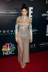 kylie-jenner-universal-nbc-focus-features-e-entertainment-golden-globes-after-party-1-8-2017-7