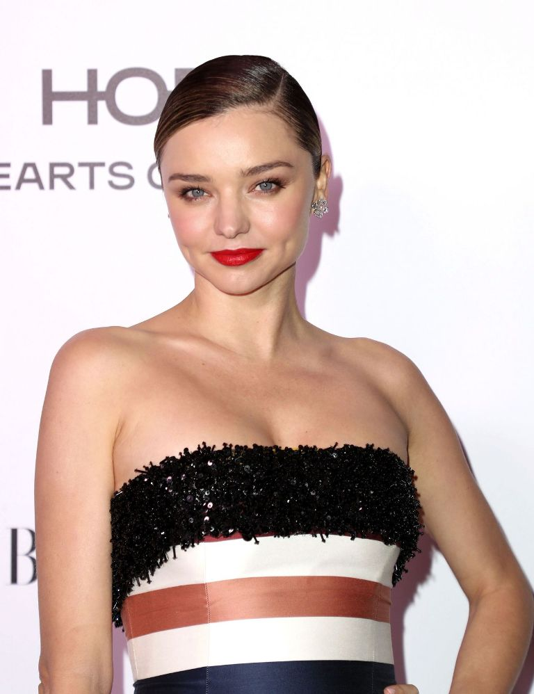 miranda-kerr-harper-s-bazaar-150-most-fashionable-woman-cocktail-party-in-la-1-27-2017-2