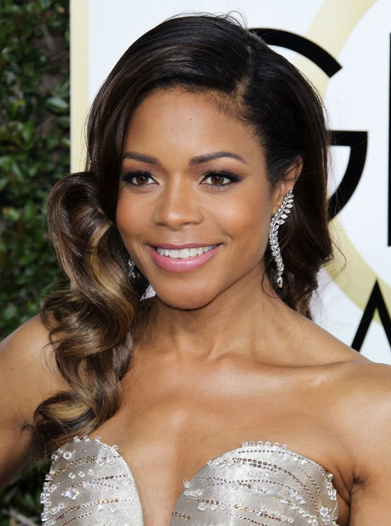 naomie-harris-golden-globe-awards-in-beverly-hills-01-08-2017-1