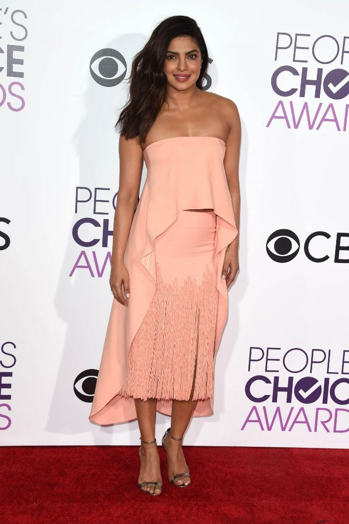 priyanka-chopra-people-s-choice-awards-in-los-angeles-1-18-2017-10
