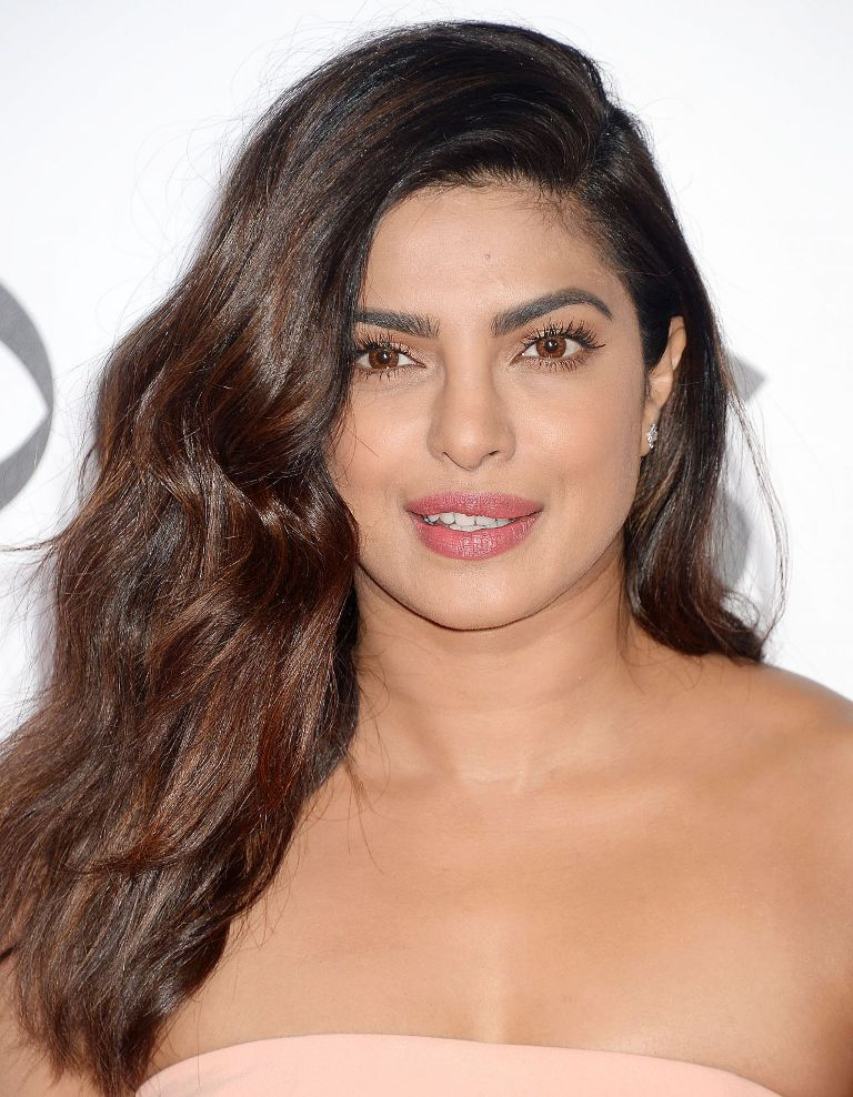 priyanka-chopra-people-s-choice-awards-in-los-angeles-1-18-2017-6