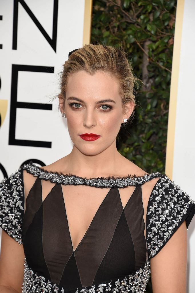 riley-keough-golden-globe-awards-in-beverly-hills-01-08-2017-1