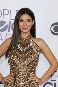 victoria-justice-people-s-choice-awards-in-los-angeles-1-18-2017-32