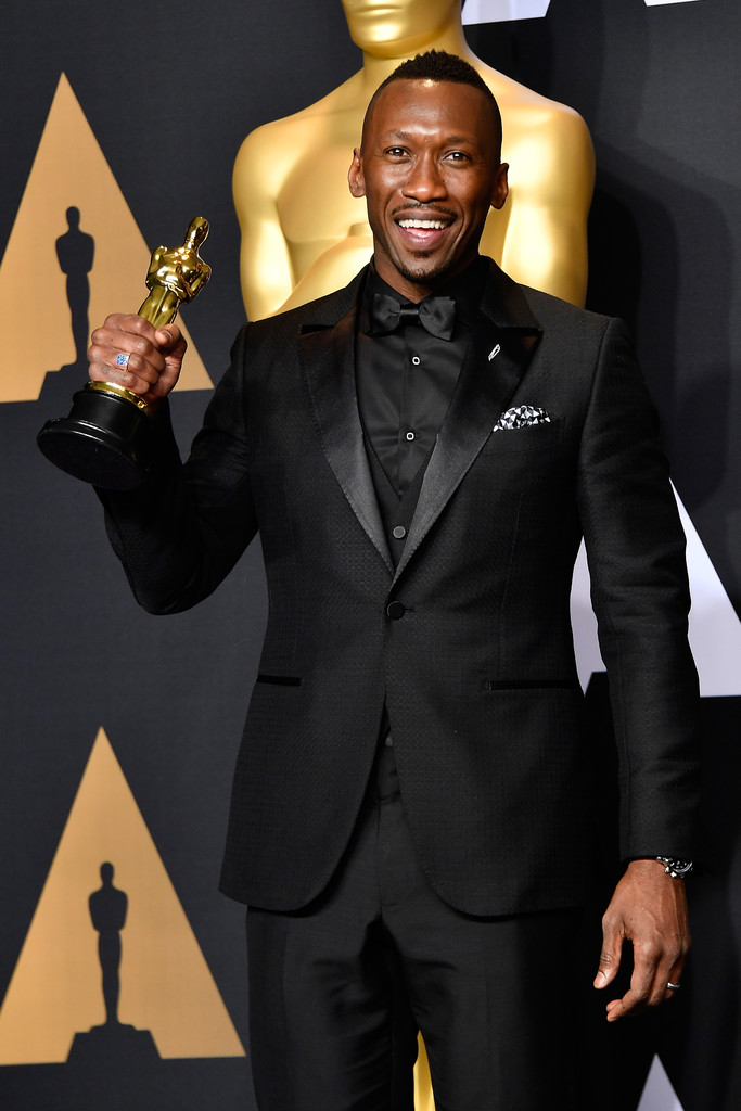 Mahershala Ali, winner of Best Supporting Actor for 'Moonlight' poses in the press room during the 89th Annual Academy Awards at Hollywood & Highland Center on February 26, 2017 in Hollywood, California.