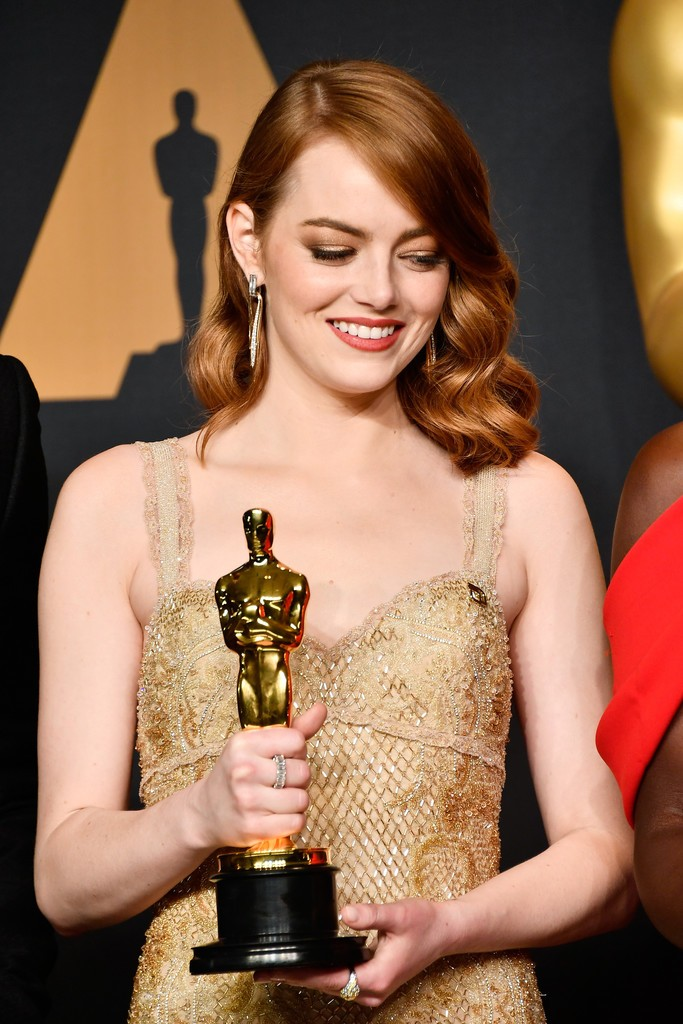 Emma+Stone+89th+Annual+Academy+Awards+Press+8t9iuo3QlOWx