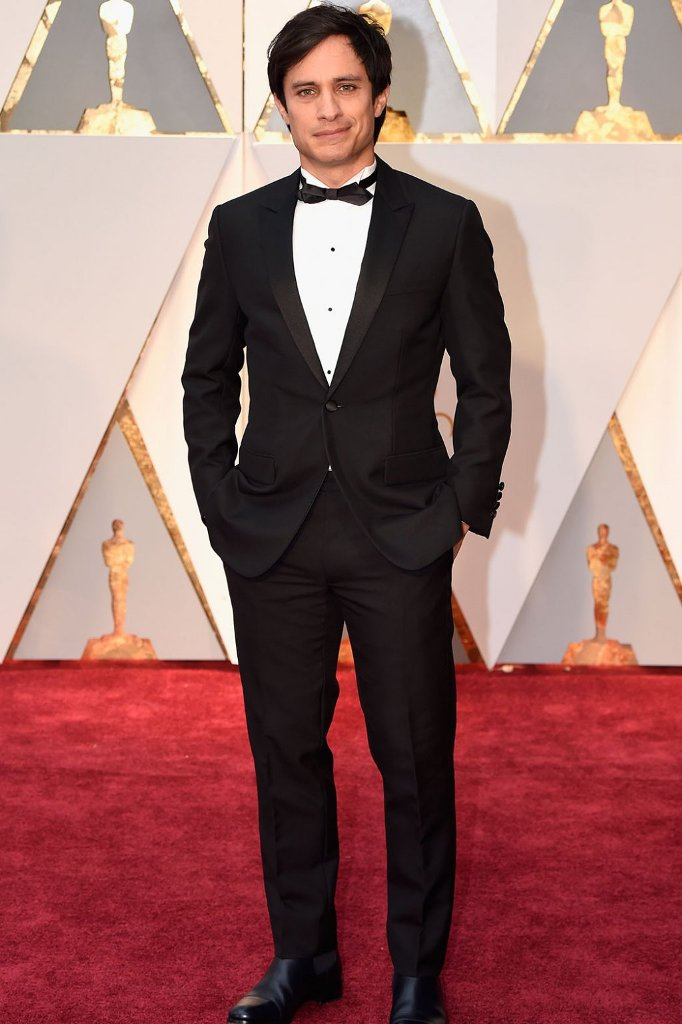 GaelGarciaBernal_Oscars_Red_Carpet