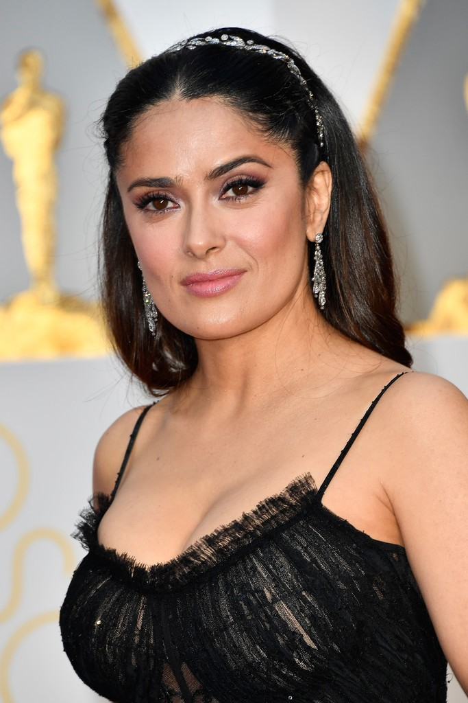 Salma+Hayek+89th+Annual+Academy+Awards+Arrivals+674A7BK97QAx