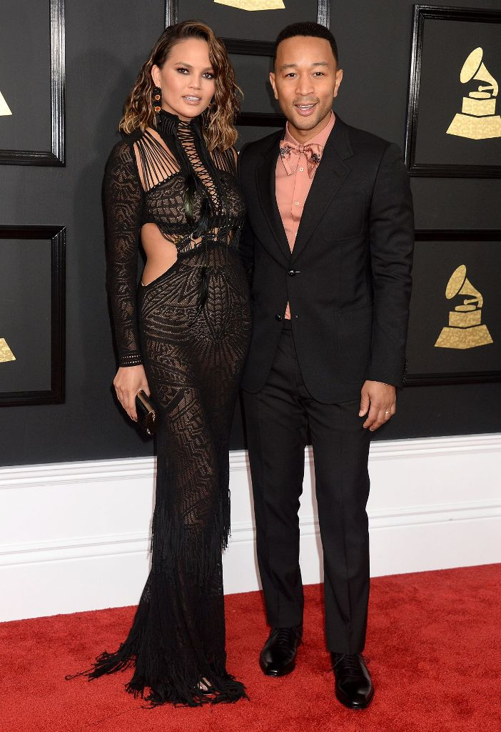 chrissy-teigen-at-grammy-awards-in-los-angeles-2-12-2017-6