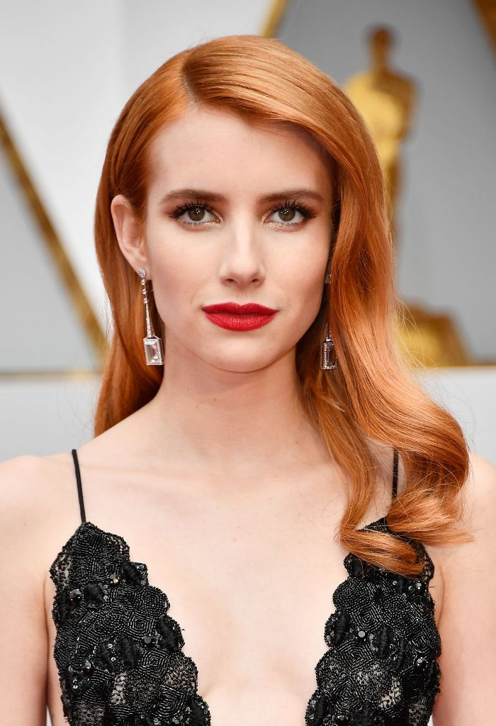 emma-roberts-oscars-2017-red-carpet-in-hollywood-1