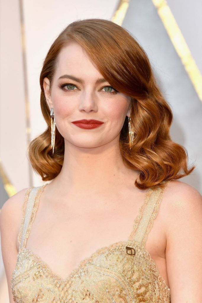 emma-stone-oscars-2017-red-carpet-in-hollywood-1