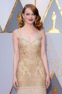 emma-stone-oscars-2017-red-carpet-in-hollywood-5