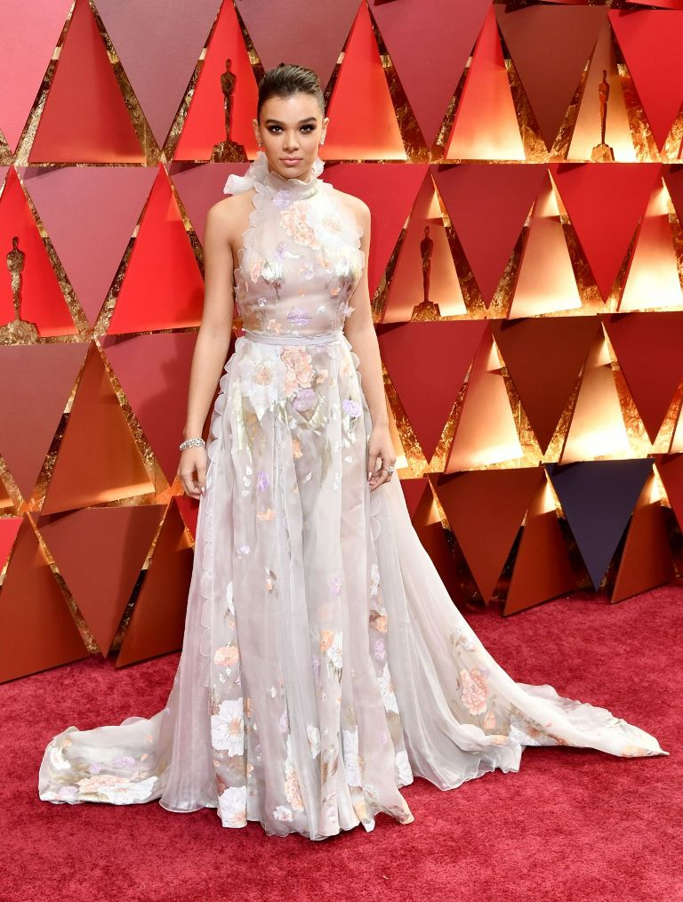 hailee-steinfeld-oscars-2017-red-carpet-in-hollywood-part-ii-1