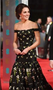 kate-middleton-on-red-carpet-at-bafta-awards-in-london-uk-2-12-2017-7
