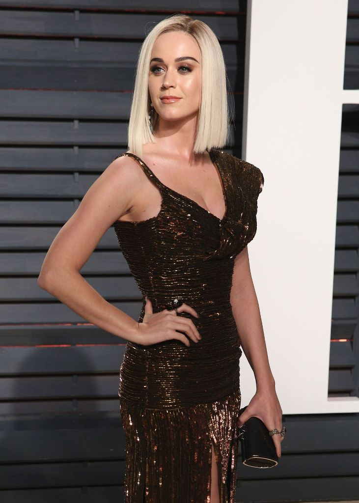 katy-perry-at-vanity-fair-oscar-2017-party-in-los-angeles-18