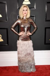 katy-perry-on-red-carpet-grammy-awards-in-los-angeles-2-12-2017-8