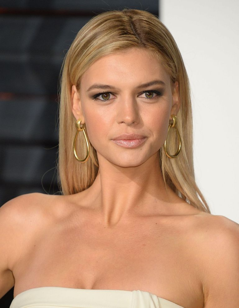 kelly-rohrbach-at-vanity-fair-oscar-2017-party-in-los-angeles-1