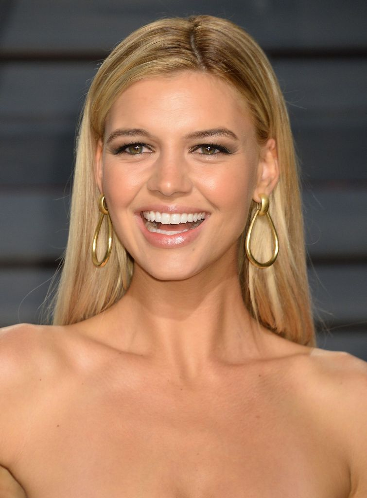 kelly-rohrbach-at-vanity-fair-oscar-2017-party-in-los-angeles-13