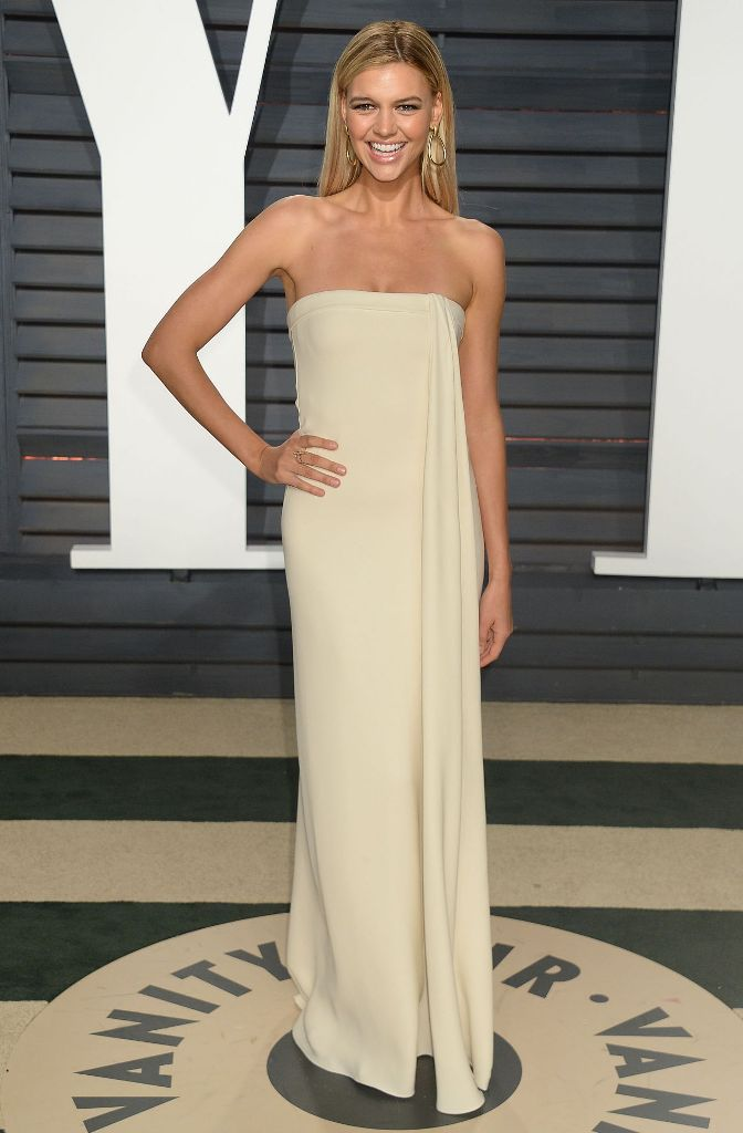 kelly-rohrbach-at-vanity-fair-oscar-2017-party-in-los-angeles-2