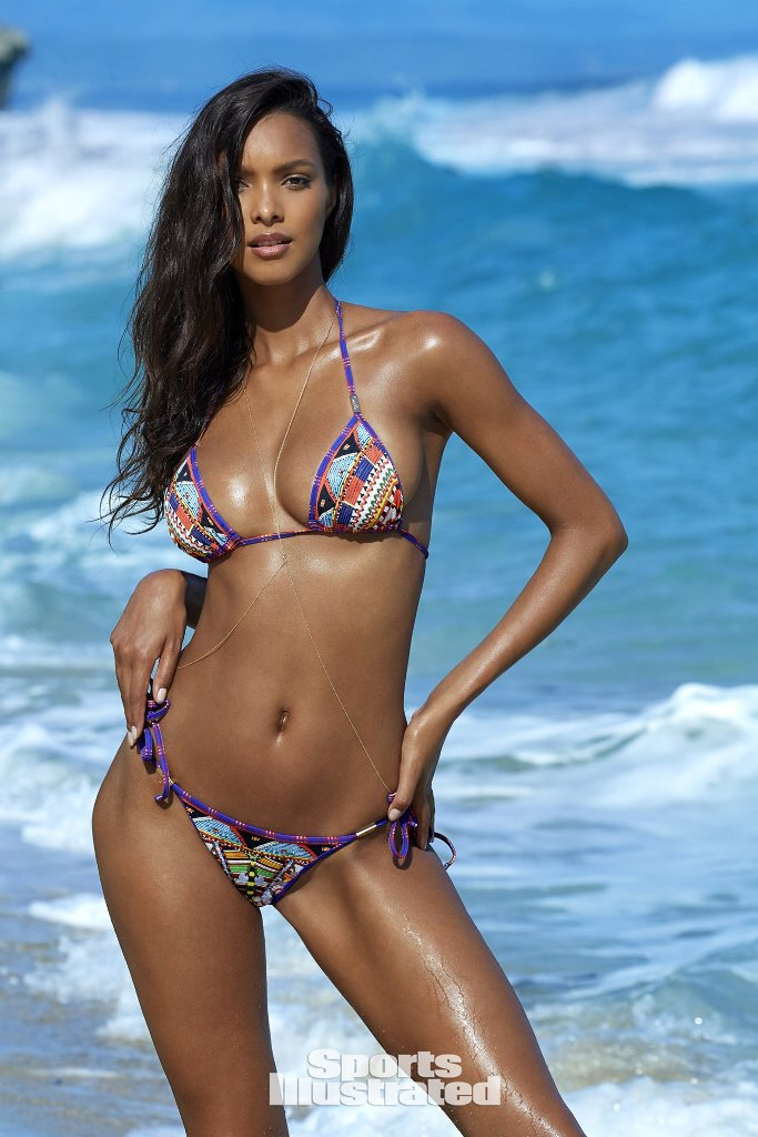 lais-ribeiro-sports-illustrated-15