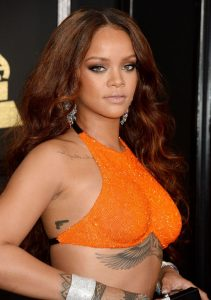rihanna-on-red-carpet-grammy-awards-in-los-angeles-2-12-2017-1