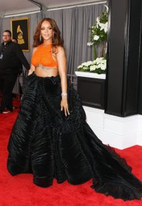 rihanna-on-red-carpet-grammy-awards-in-los-angeles-2-12-2017-17