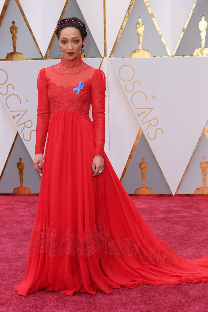 ruth-negga-oscars-2017-red-carpet-in-hollywood-1