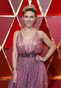 scarlett-johansson-oscars-2017-red-carpet-in-hollywood-1