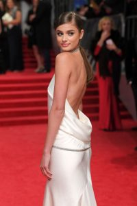 taylor-hill-on-red-carpet-at-bafta-awards-in-london-uk-2-12-2017-1