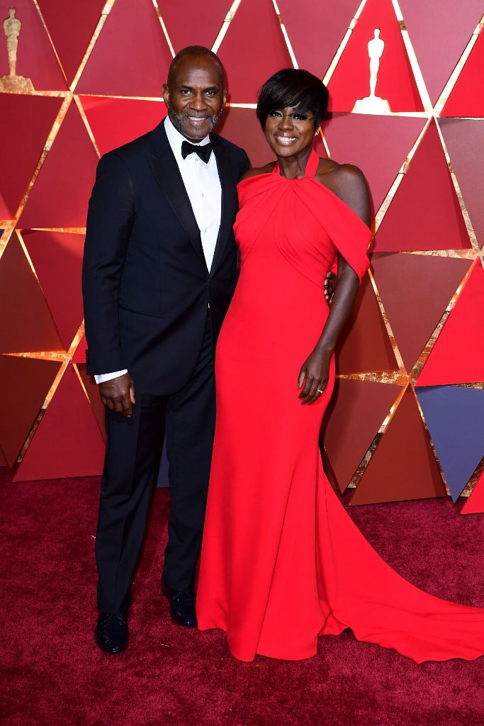 viola-davis-oscars-2017-red-carpet-in-hollywood-5