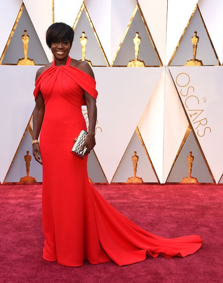viola-davis-oscars-2017-red-carpet-in-hollywood-8