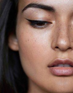 winged-eyeliner-2
