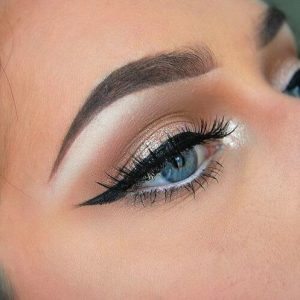 winged-eyeliner-3