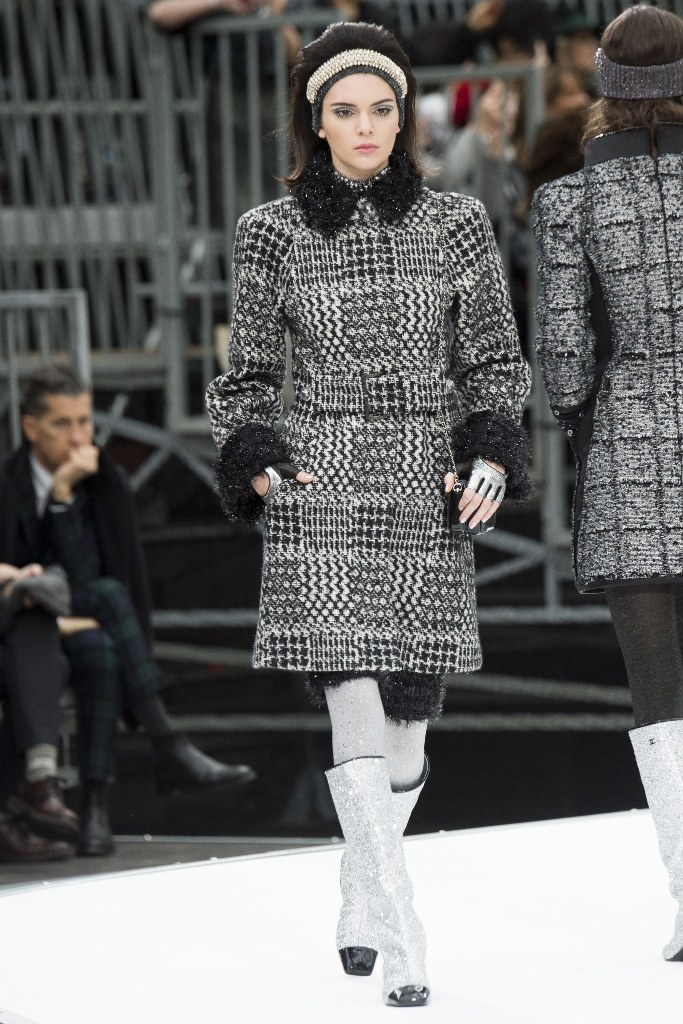 chanel-fall-2017-paris-fashion-week
