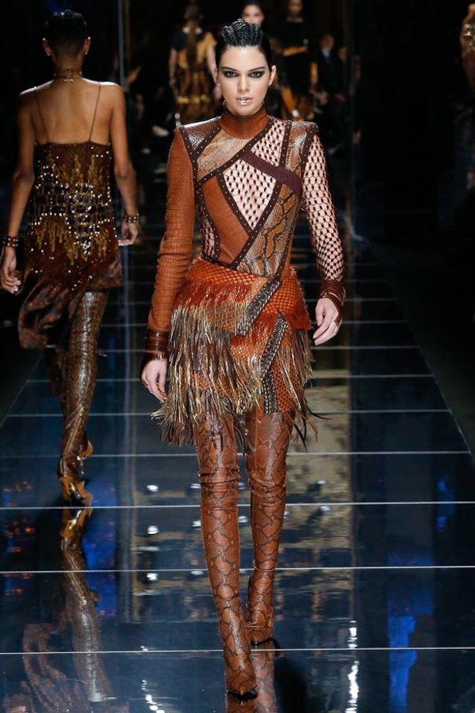 kendall-jenner-balmain-fall-2017-paris
