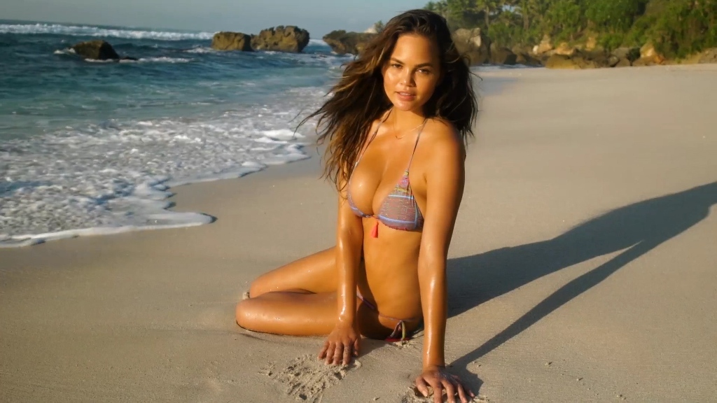 chrissy-teigen-sports-illustrated2