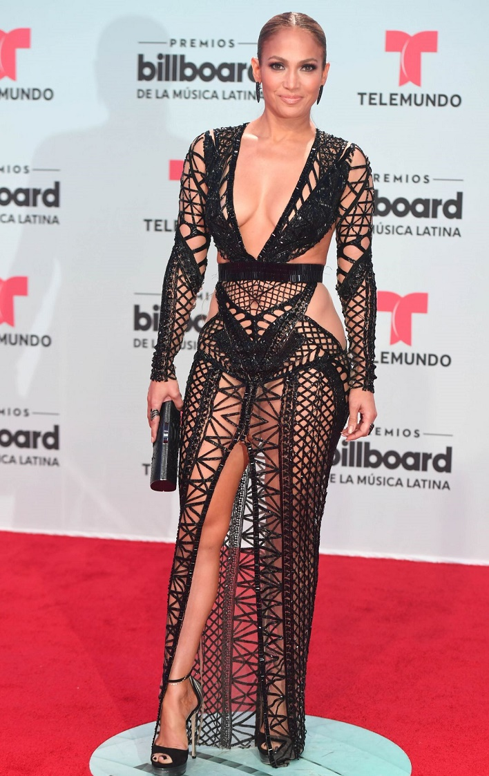 jennifer-lopez-billboard-latin-music-awards-miami-04-27-2017-14