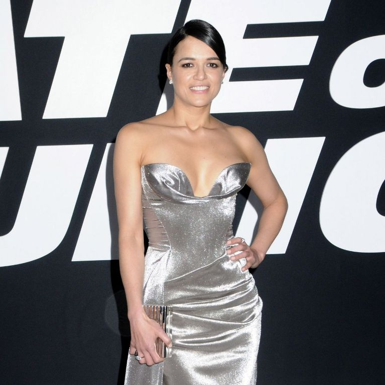 michelle-rodriguez-fate-of-the-furious-pemiere-in-new-york-4-8-2017-10