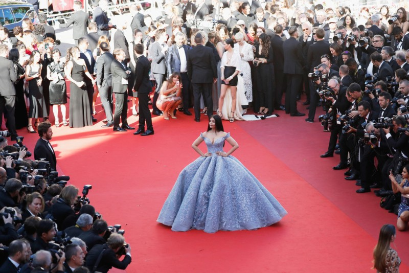 Aishwarya_Rai_Okja_Red_Carpet_Arrivals_70th_cannes-4