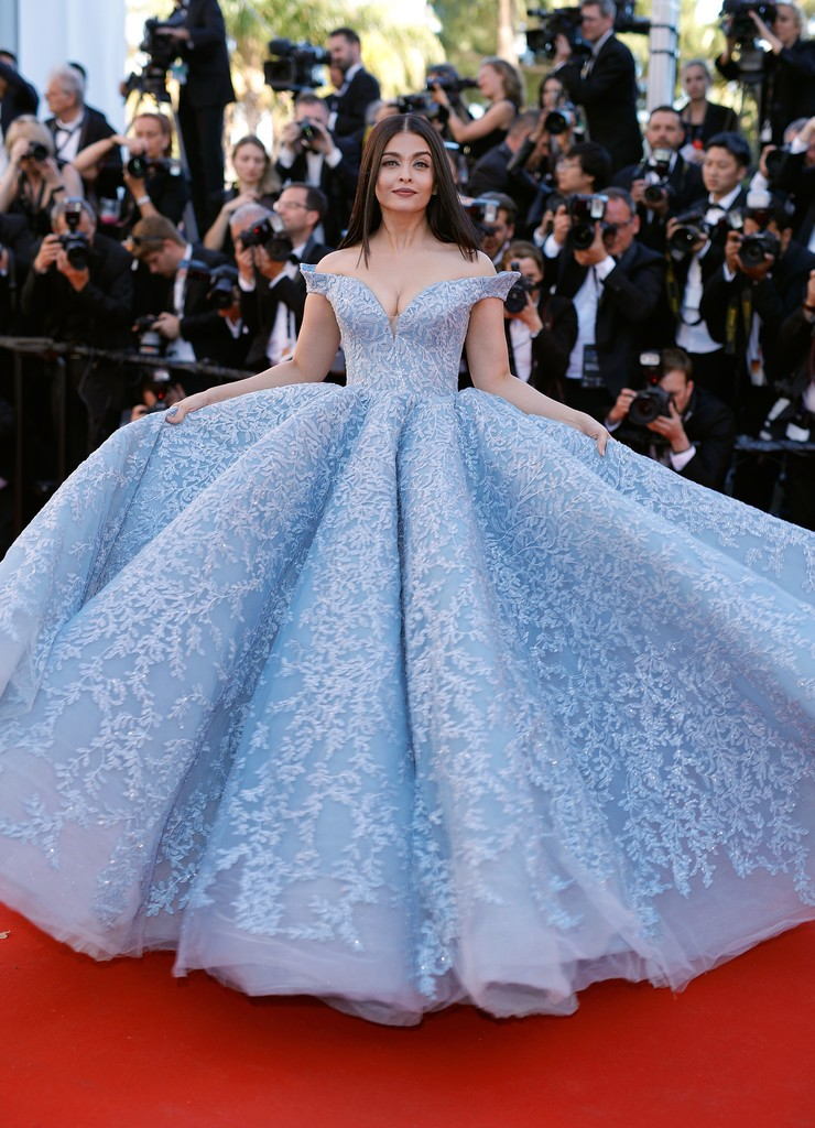 Aishwarya_Rai_Okja_Red_Carpet_Arrivals_70th_cannes