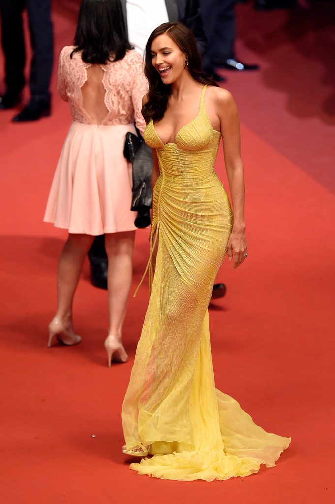 Irina_Shayk_Hikari_Radiance_Red_Carpet_Arrivals-1