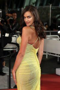 Irina_Shayk_Hikari_Radiance_Red_Carpet_Arrivals