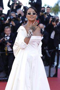 Rihanna_Okja_Red_Carpet_Arrivals_70th_Annual-5